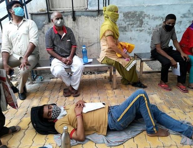 করোনা ভাইরাস ভারতে দ্রুত বেড়ে চলা কোভিড-১৯ সংক্রমণ নিয়ে পাঁচটি প্রশ্ন