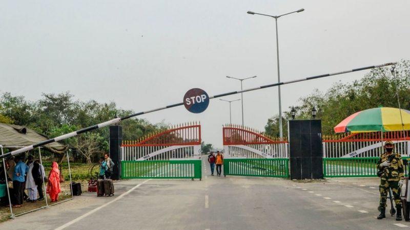 ভারত-বাংলাদেশ সীমান্ত পথ।