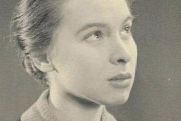 আরএএফ যুদ্ধবিমানের নকশায় যখন পিতাকে সাহায্য করেছিলেন হ্যাজেল, তখন তার বয়স ছিল মাত্র ১৩ বছর