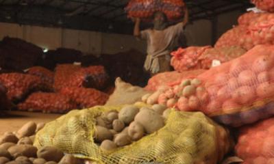 গুদামের তালা ভেঙে চুরি ৬০ হাজার টাকার আলু