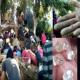 মাটি খুঁড়ে মিলছে 'হিরা', গুঞ্জনে গ্রামে তোলপাড়