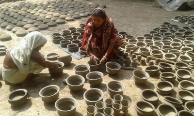 সম্ভাবনার দ্বারপ্রান্তে 'নয়াখেল'-এর মৃৎশিল্প সম্ভাবনার দ্বারপ্রান্তে 'নয়াখেল'-এর মৃৎশিল্প