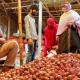 নওগাঁয় কেজিতে ১২ টাকা বেড়েছে পেঁয়াজের দাম